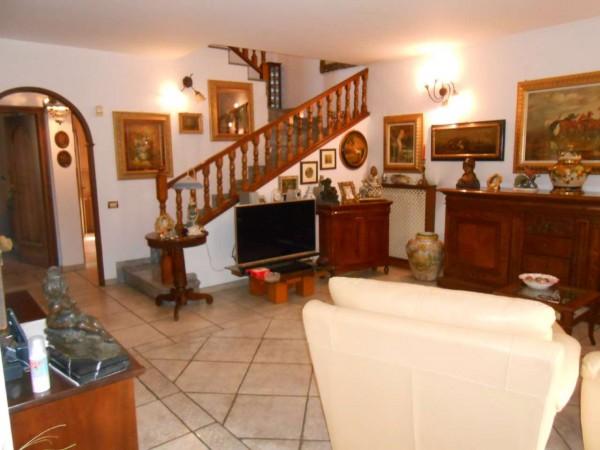 Villa in vendita a Spino d'Adda, Residenziale, Con giardino, 244 mq