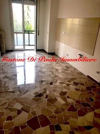 Appartamento in vendita a Milano, 55 mq
