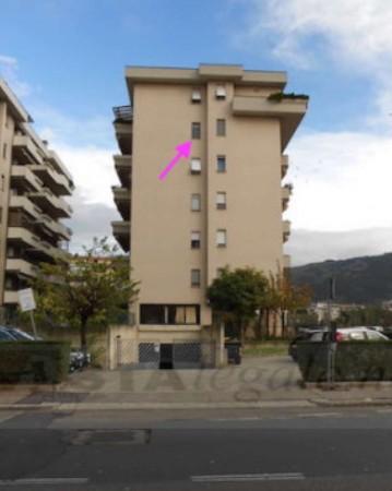Appartamento in vendita a Prato, Zarini, 76 mq
