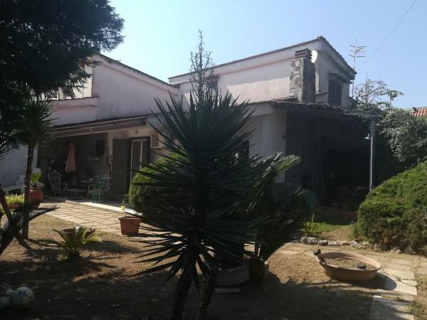 Villa in vendita a Pozzuoli, Varcaturo, Con giardino, 155 mq