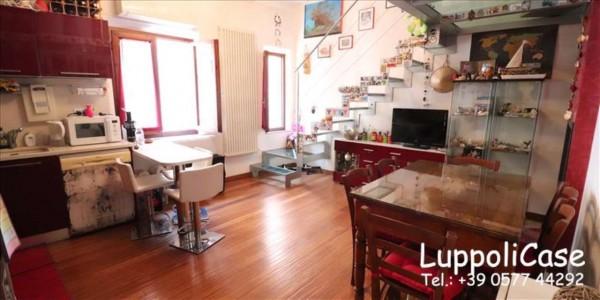 Appartamento in vendita a Siena, 108 mq