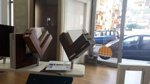 Negozio in vendita a Roma, Caffarella, 75 mq - Foto 1
