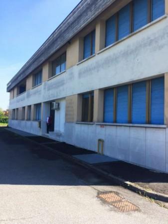 Locale Commerciale  in vendita a Brescia, Fornaci, 5000 mq - Foto 1