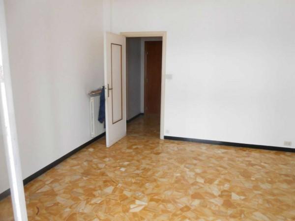 Appartamento in vendita a Genova, Adiacenze Via Dezza, 55 mq