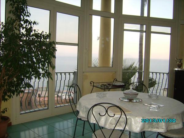 Appartamento in vendita a Napoli, Posillipo, 200 mq