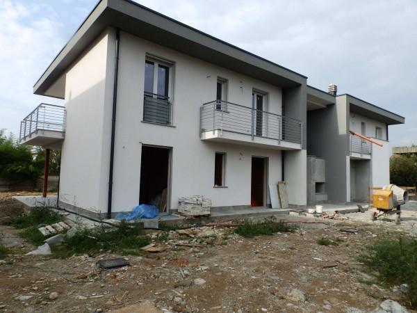Villetta a schiera in vendita a Mariano Comense, Con giardino, 150 mq