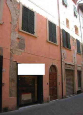 Appartamento in vendita a Prato, Centro, 163 mq