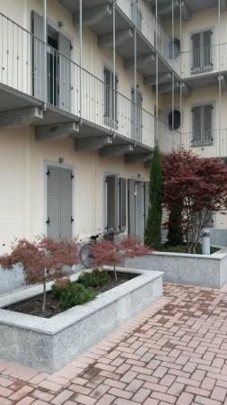 Appartamento in affitto a Bollate, Stazione, 60 mq