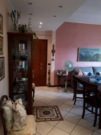 Appartamento in vendita a Cesate, 69 mq