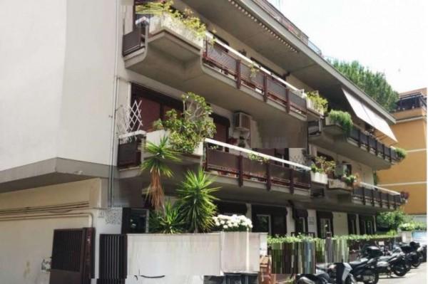 Appartamento in vendita a Roma, 91 mq