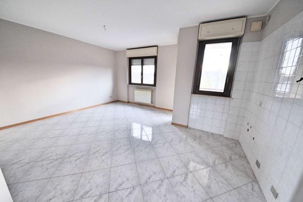Appartamento in vendita a Torino, Corso Potenza, 60 mq