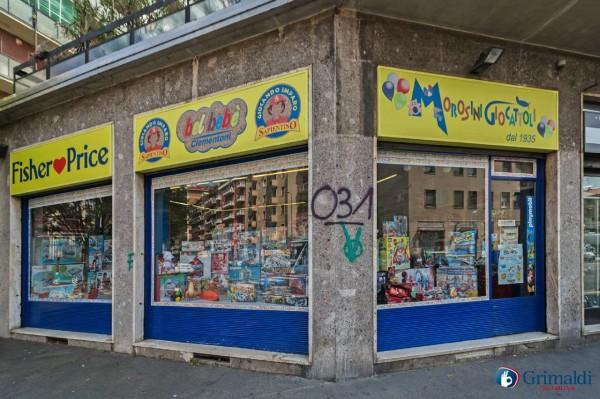 Negozio in vendita a Milano, 71 mq