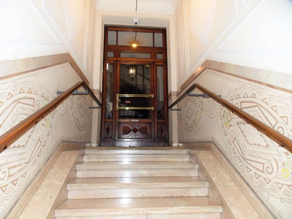 Locale Commerciale  in affitto a Milano, 100 mq