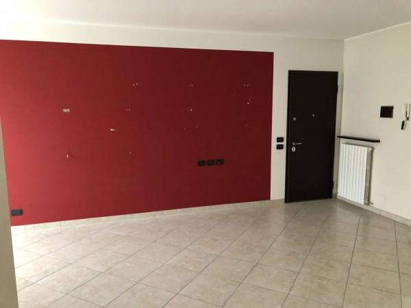 Appartamento in vendita a Cocquio-Trevisago, Centrale, Con giardino, 70 mq - Foto 6