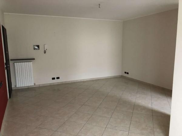 Appartamento in vendita a Cocquio-Trevisago, Centrale, Con giardino, 70 mq - Foto 18
