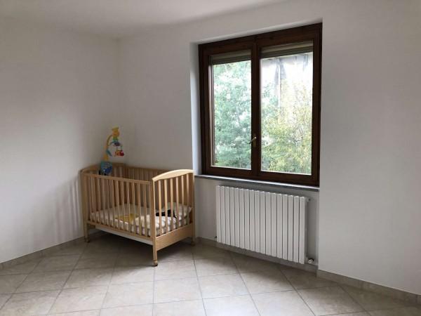 Appartamento in vendita a Cocquio-Trevisago, Centrale, Con giardino, 70 mq - Foto 11