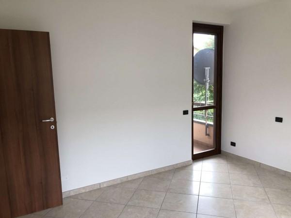Appartamento in vendita a Cocquio-Trevisago, Centrale, Con giardino, 70 mq - Foto 10