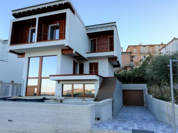 Villetta a schiera in vendita a Monte San Giusto, Semicentro, 200 mq - Foto 1