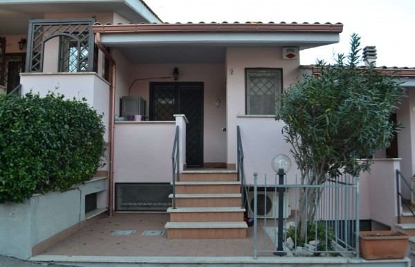 Villetta a schiera in vendita a Roma, Massimina, Con giardino, 80 mq