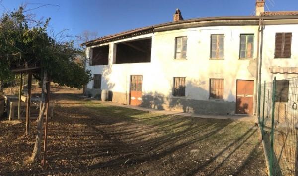 Rustico/Casale in vendita a Asti, Serravalle, Con giardino, 150 mq