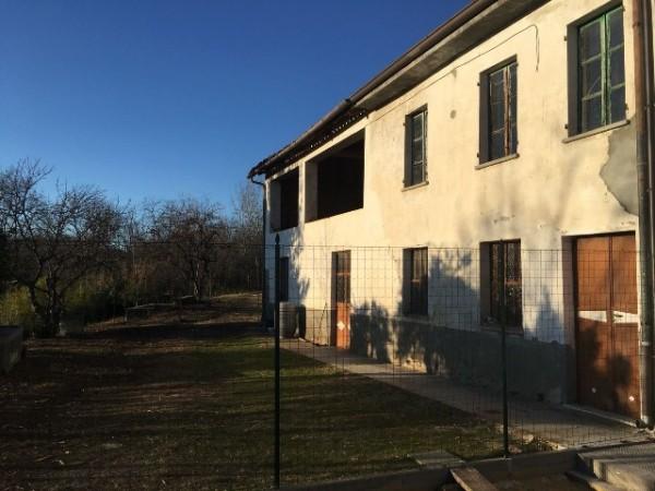 Rustico/Casale in vendita a Asti, Serravalle, Con giardino, 250 mq