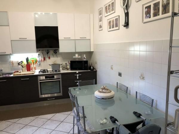 Appartamento in vendita a Laveno-Mombello, Centrale, Con giardino, 120 mq