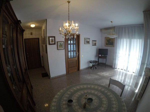 Appartamento in vendita a Modena, Emilia Est, 75 mq