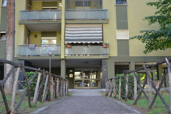 Appartamento in vendita a Roma, Torrino, Con giardino, 119 mq