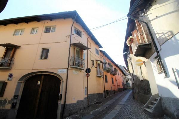 Appartamento in vendita a Pianezza, Centro, 65 mq