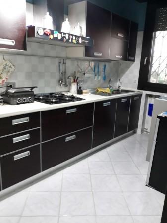 Appartamento in vendita a Modena, Modena Est, 130 mq