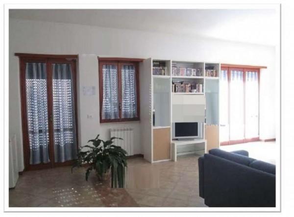 Appartamento in vendita a Velletri, 113 mq