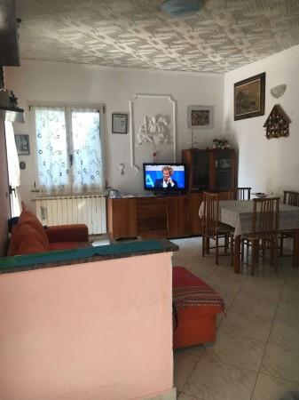 Villa in vendita a Pandino, Residenziale, Con giardino, 138 mq