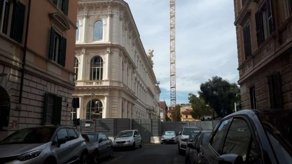 Negozio in vendita a Roma, Piazza Vittorio, 80 mq
