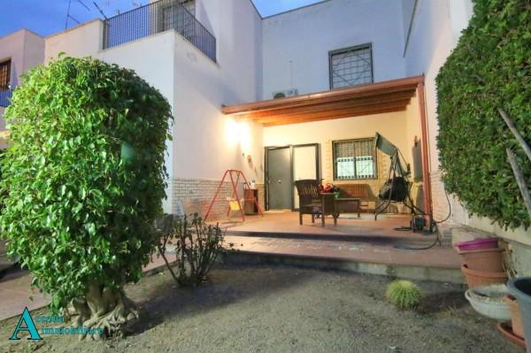 Villa in vendita a Taranto, Residenziale, Con giardino, 162 mq