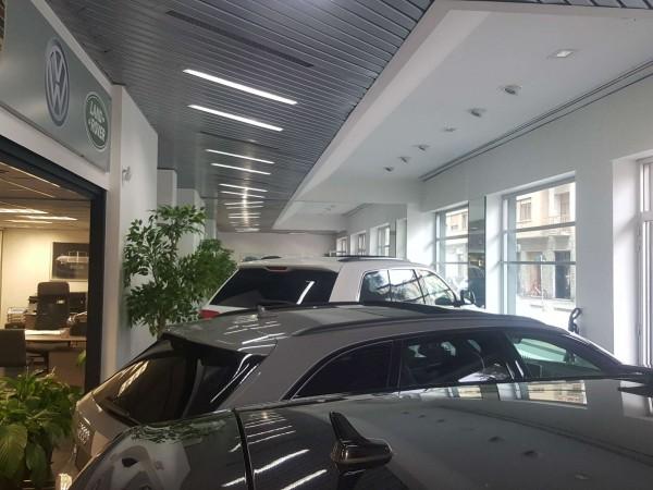 Negozio in vendita a Torino, Italia 61, 150 mq