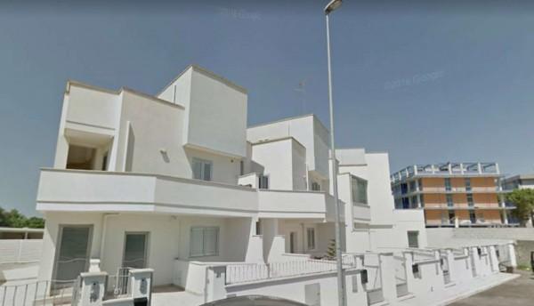 Villa in vendita a Lecce, Via Taranto, Con giardino, 95 mq