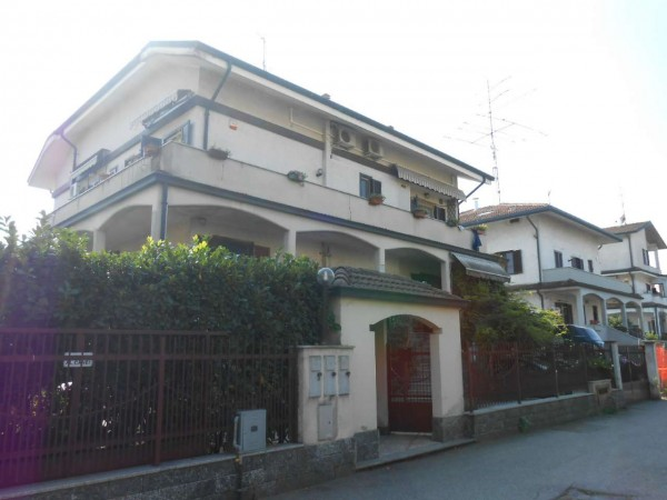 Appartamento in vendita a Carpiano, Residenziale, Con giardino, 116 mq