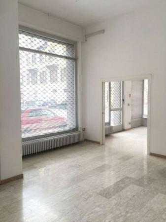 Negozio in affitto a Torino, 100 mq