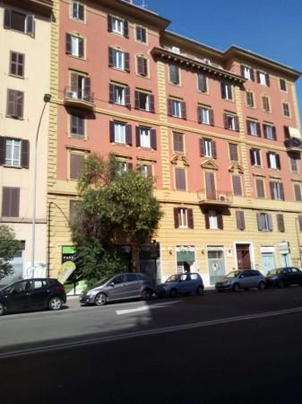 Negozio in vendita a Roma, San Giovanni, 80 mq - Foto 1
