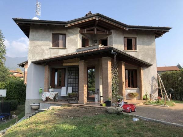 Villa in vendita a Gavirate, Con giardino, 230 mq
