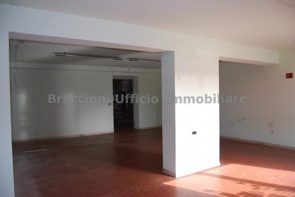 Negozio in vendita a Trevi, Matigge, Con giardino, 270 mq - Foto 5