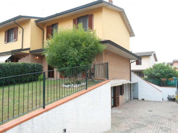 Villa in vendita a Massalengo, Residenziale, Con giardino, 223 mq