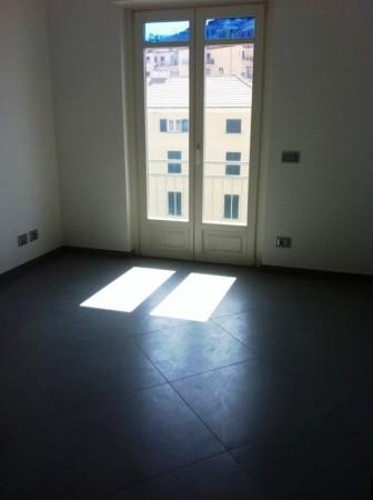 Appartamento in vendita a Imperia, 128 mq
