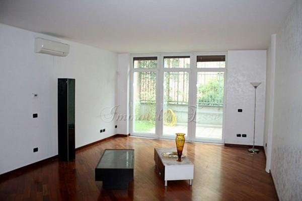Appartamento in vendita a Milano, Porta Vigentina, Con giardino, 90 mq