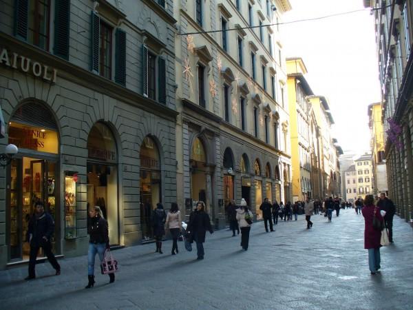 Locale Commerciale  in vendita a Firenze, 130 mq