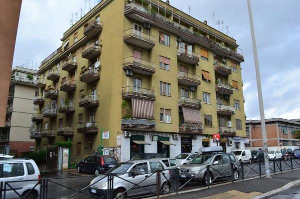 Locale Commerciale  in vendita a Roma, Boccea, Arredato, 60 mq