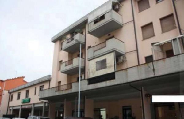 Appartamento in vendita a Prato, 96 mq