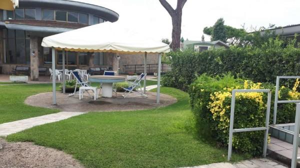 Villetta a schiera in vendita a Ardea, Tor San Lorenzo, Con giardino, 150 mq