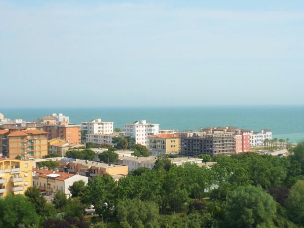 Appartamento in vendita a Porto Recanati, Semicentro, 78 mq