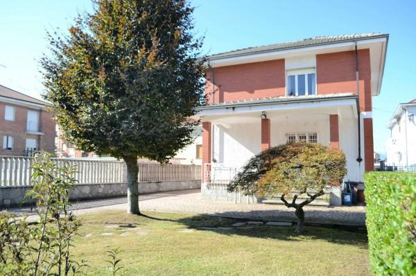 Casa indipendente in vendita a Beinasco, Centro, Con giardino, 225 mq